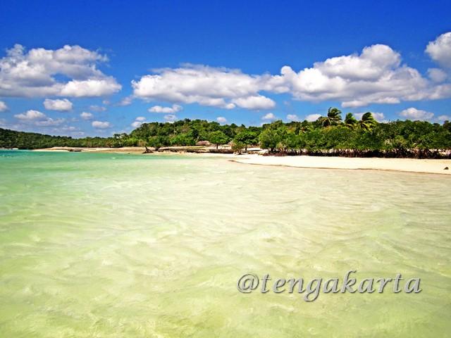 Pantai Oeseli
