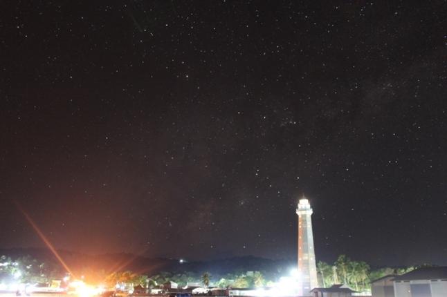 Merenungi masa depan di Dermaga Ba'a
